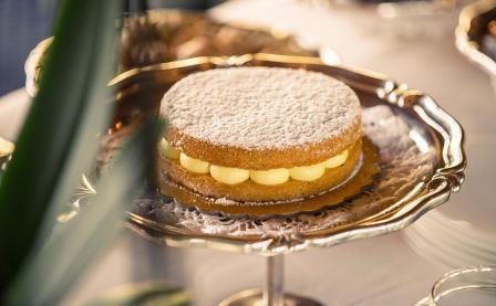 Dessert léger, enfin, également sous le signe de ces couleurs qui siéent si  bien à l Italie en une palette digne d un peintre où petits pots de sorbet  et ... ffc53b53b2d